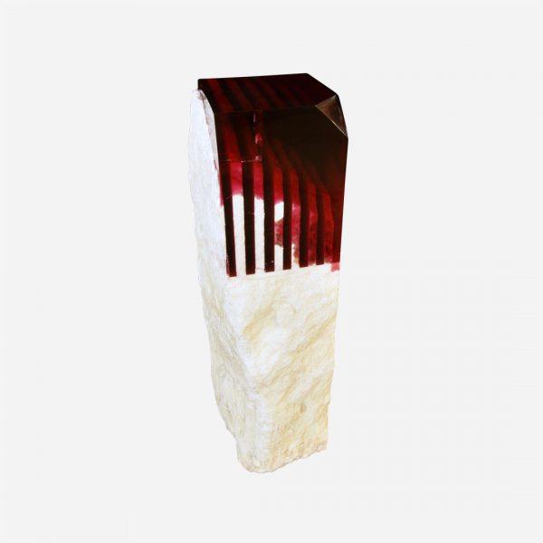 pedestal de onix en bruto con resina epoxica roja