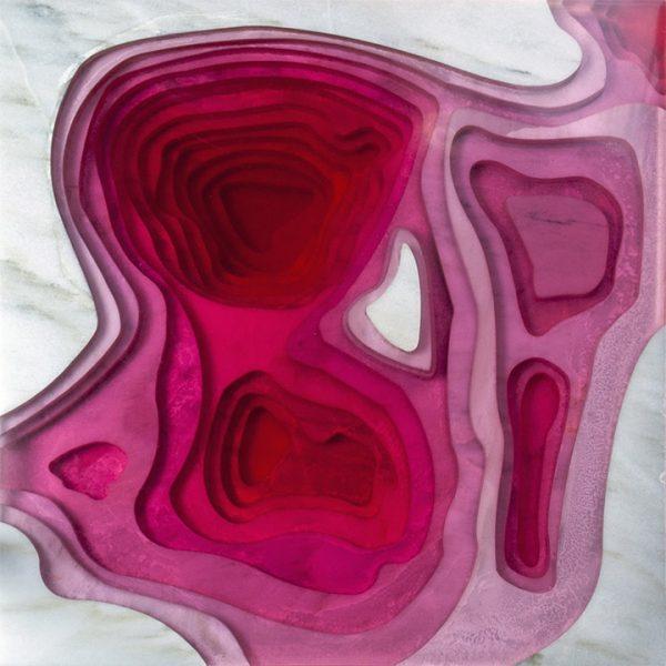 bureau topográfico de resina rosa con marmol blanco vista superior