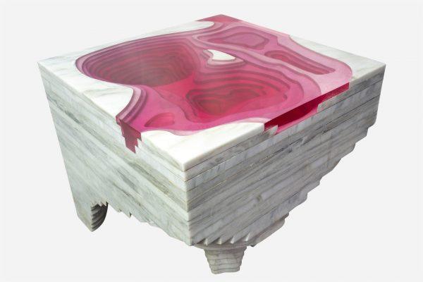 bureau topográfico de resina rosa con marmol blanco vego