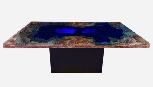 Mesa de comedor iluminada topografica de marmol y resina vista lateral