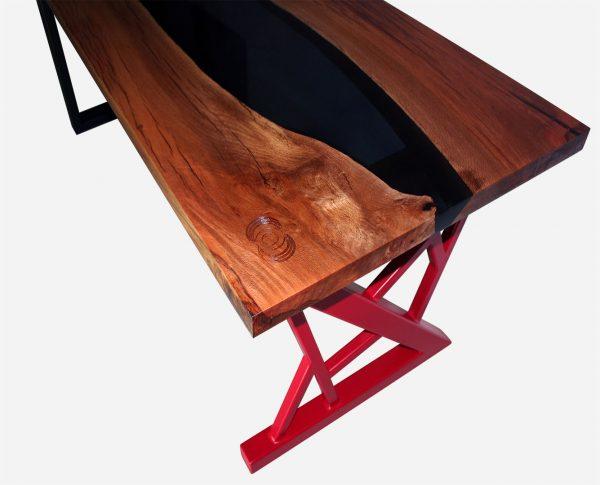 escritorio river de resina y parota vista pata roja