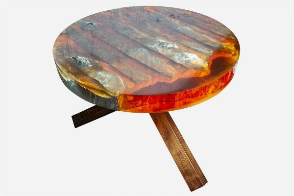 Mesa resina naranja y costera de marmol patas de pino
